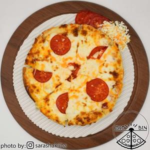 پیتزا پنیر و گوجه