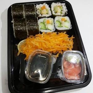 سوشی ماکی رول سبزیجات