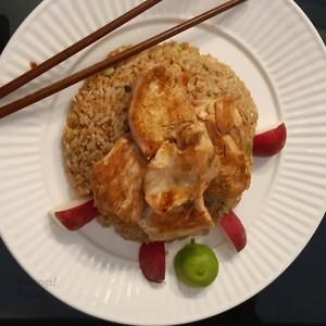 برنج سرخ شده مرغ